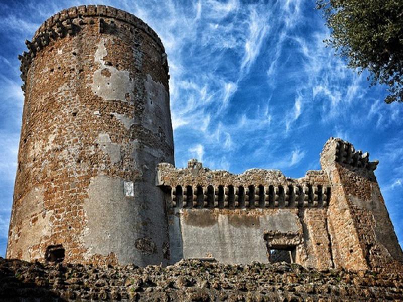 Tramonto e incanto al castello di Nepi